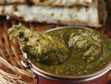 Chicken Saag – Chicken in Creamy Spinach Sauce