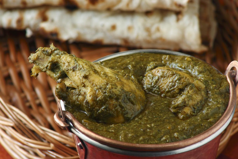 Chicken Saag Chicken In Creamy Spinach Sauce Latasha S Kitchen