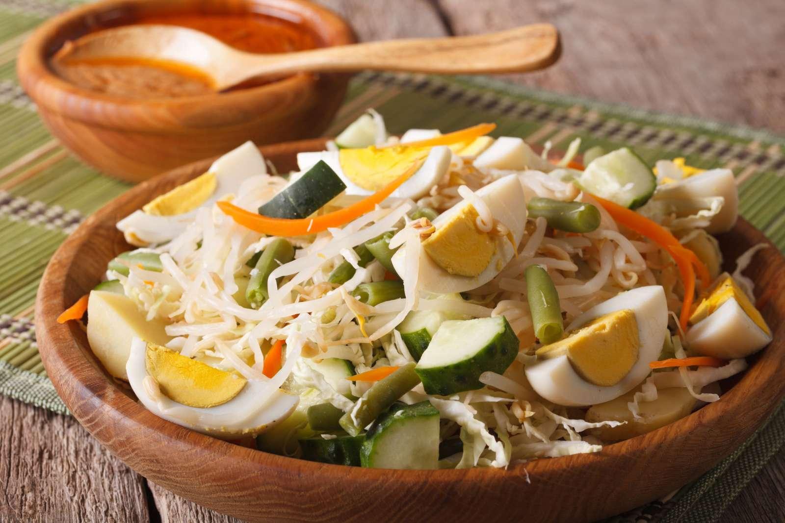 Thai Massaman Vegetable Salad