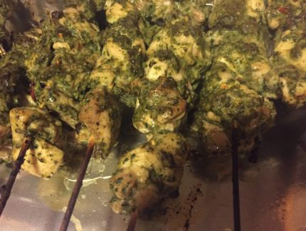 Green Chicken Tikka (Hariyali Chicken Kebab)