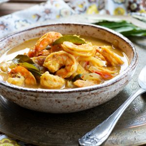Turmeric Coconut Prawn Curry